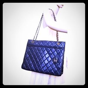 CHANEL XL quilted lambskin tote